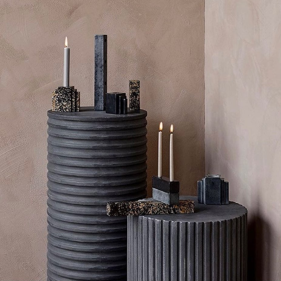Create a still life… Gather your favourite items of ceramic, heirlooms or new findings and display them on a podium or pedestal creating a sculptural still life to add a dynamic feel. The new RILLO collection is inspired by ancient Greek columns. With their tactile, column shape silhouette and rustic matte concrete finish, they empower our passion for curating an interior experience. These can also be used outdoor.  . . #fiberclay #indoorfurniture #outdoorfurniture #concretefinish #podiums #sidetables #coffeetables #bedsides